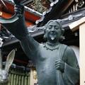 悠久の時を感じる清水寺のすぐ傍で、ガチな商売っ気を出す地主神社