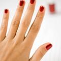 爪が丸い人はのんびり屋、縦長はロマンチスト、爪の形で見る性格診断