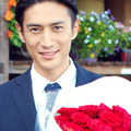 伊勢谷友介出演CMの「急ごしらえのプロポーズ」に浮上したある疑惑