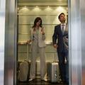 見知らぬ男性とエレベーターで2人きりに……立つ位置でわかる恋愛パターン