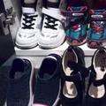 オシャレな靴にイスでの食事、母親が求めることは子どもの成長を妨げます!