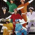 関ジャニ∞、金塗り&男気ソングで勝負 『キング オブ 男!』は新たな代表曲となるか