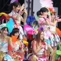 """「それ、ももクロっぽいから却下」AKB48のサプライズ減少は、秋元康の""""嫉妬心""""?"""