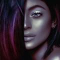 「黒人なりきり写真」を公開したカイリー・ジェンナー、「文化の盗用」だと大炎上