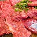 元気の秘訣は焼肉、ステーキ、カツサンド! 90歳以上で現役の女性が「肉食女子」の理由
