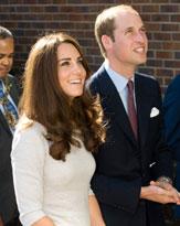 iPad、寝袋、蚊取り器! ウィリアム王子&キャサリン妃のギフトを公開