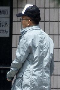 jyani_ushiro.jpg