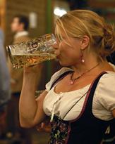 認知症のリスクも増加!? お酒を飲み続けると脳が萎縮って本当?