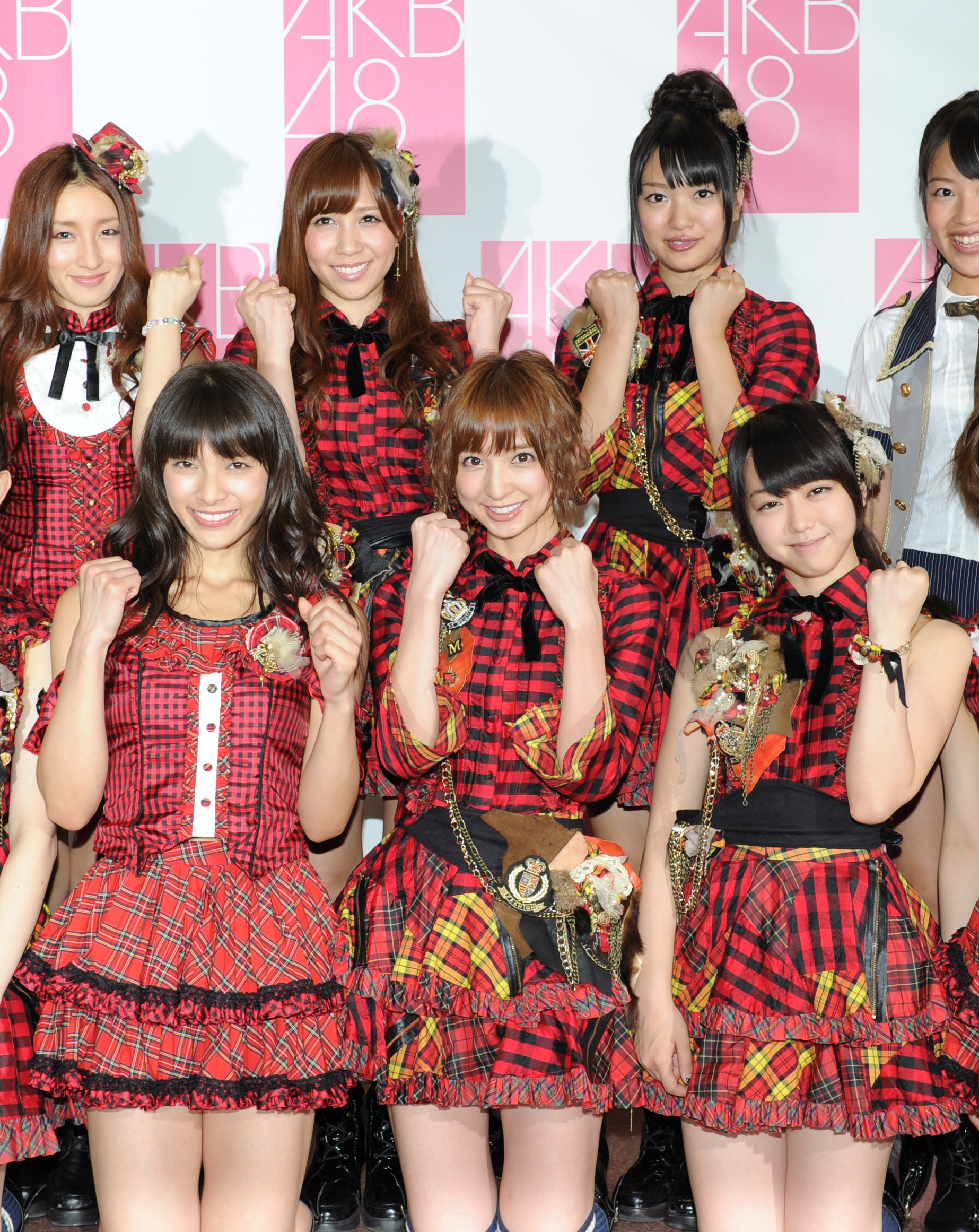 AKB48とKARA、空気が読める人はカラオケ1曲目にどちらを選ぶ?