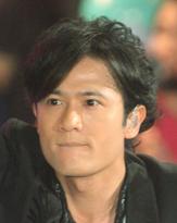 稲垣吾郎、代官山でラブラブショッピングデートを目撃される!