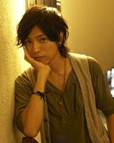 『仮面ライダーW』の桐山漣クンが、 映画で影のある謎めいた青年を熱演!