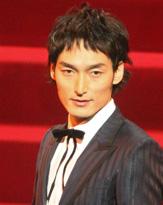 草なぎ剛、新作映画で共演した竹内結子は「すごく素敵な僕の妻」