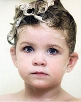 白髪や薄毛にも関係? あなたのシャンプー選び、間違ってませんか?
