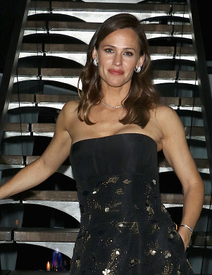 "NEW YORK, NY - MAY 18:  Actress Jennifer Garner attends the after party for the screening of IFC Films' ""Wakefield"" hosted by The Cinema Society at Hotel on Rivington on May 18, 2017 in New York City.  (Photo by Jim Spellman/WireImage)"