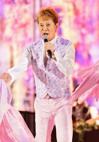 2015nakai_pink.jpg